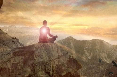 meditar en montaña